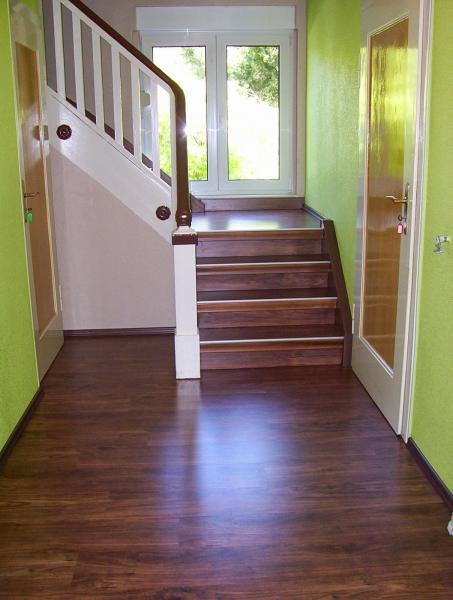 treppen podeste bei einer treppen renovierung. Black Bedroom Furniture Sets. Home Design Ideas