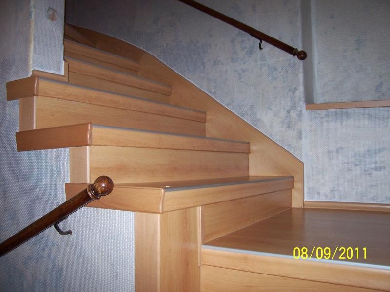 treppenrenovierung so werden die treppenwangen verkleidet. Black Bedroom Furniture Sets. Home Design Ideas