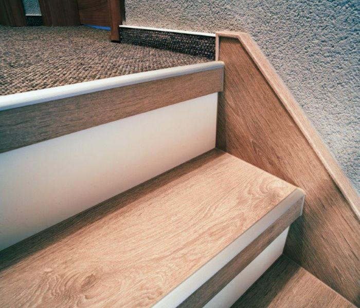 beton treppen renovierung holz laminat oder vinyl. Black Bedroom Furniture Sets. Home Design Ideas