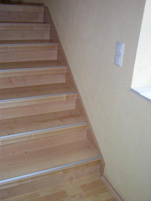 holztreppen sanieren h k treppenrenovierung chemnitz. Black Bedroom Furniture Sets. Home Design Ideas